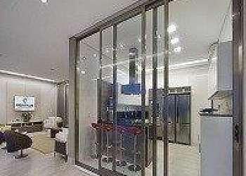 Manutenção de porta de vidro